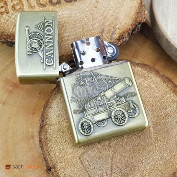Kabartma Top Arabası Desenli Benzinli Metal Çakmak + HEDİYELİ