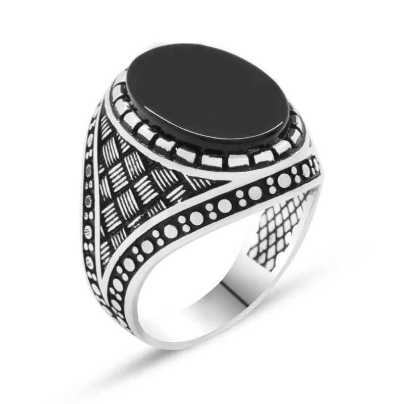 925 Ayar Gümüş Çizgi Desenli Siyah Oniks Taşlı Erkek Yüzük