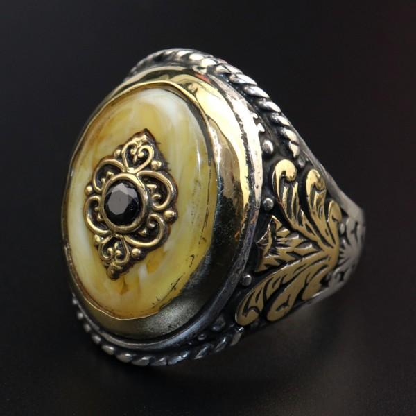 925 Ayar Gümüş Kehribar Taşlı Özel Motifli Erkek Yüzük